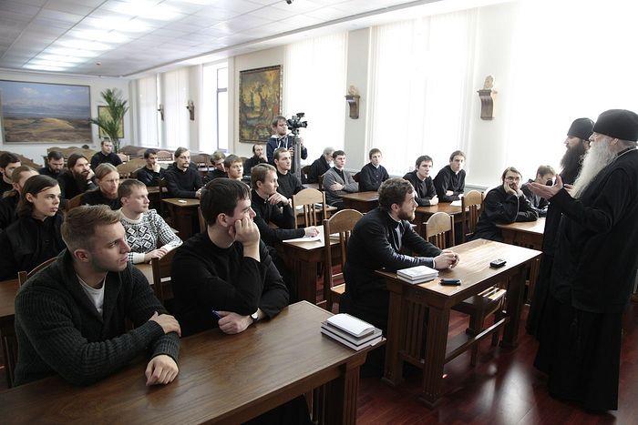 Схиархимандрит Иоаким (Парр) на встрече со студентами Сретенской семинарии