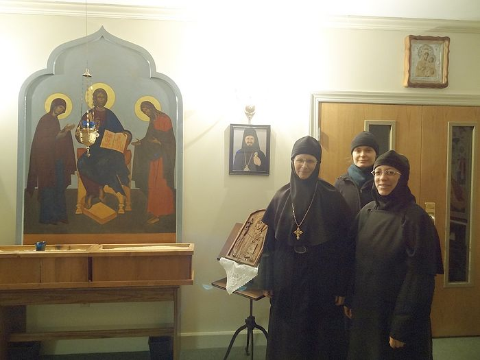 Игумения Емилиана с сестрами