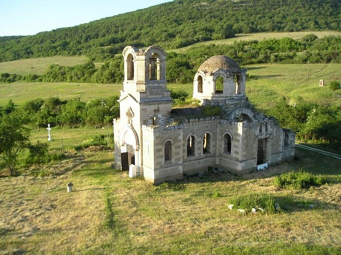 Храм ап. Луки. Село Лаки, Крым