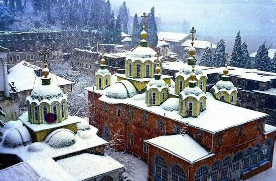 Русский православный монастырь на Афоне. Фото: isihazm.ru