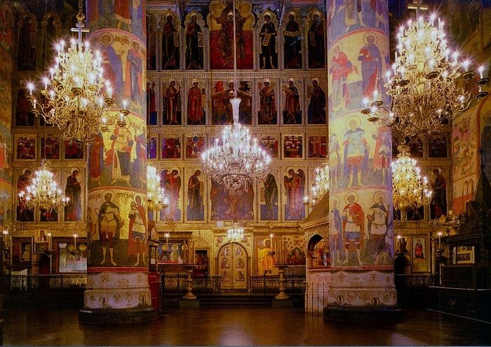 Dormition Cathedral columns with Byzantine and Russian princes.