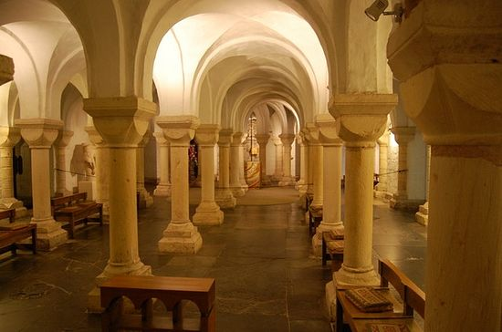 Crypt of Worcester Cathedral (11th century)