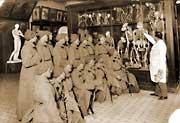 Отряд НКВД на лекции в музее