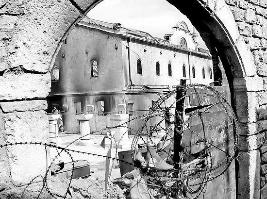 """Спаљени манастир Свети Архангели код Призрена (Фотодокументација """"Политике"""")"""