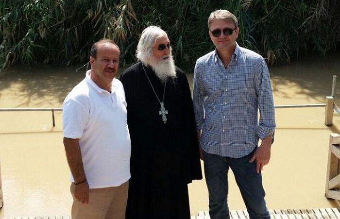 Управляющий Странноприимным домом Ахмад Абу-Ильяс Сада, архимандрит Сергий (Объедков) и А.Ткачев