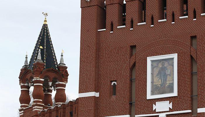 Отреставрированная надвратная икона Спасителя на Спасской башне Московского Кремля. Михаил Джапаридзе/ТАСС