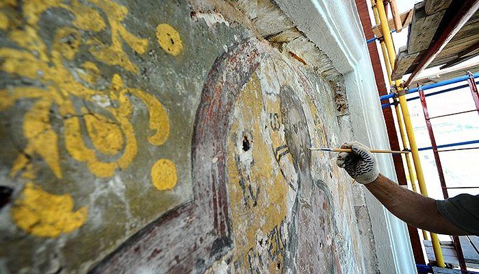 Реставрация надвратной иконы Спаса Смоленского на Спасской башне Московского Кремля. Валерий Шарифулин/TACC