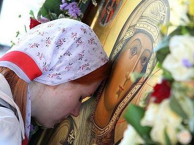 Зашто православни верници поштују иконе?