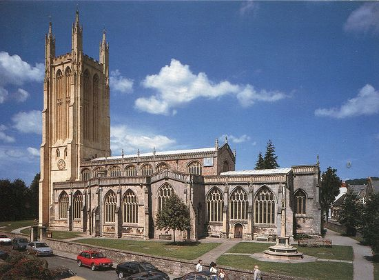 St. Cuthbert's Church in the city of Wells (taken from Flickr.com)