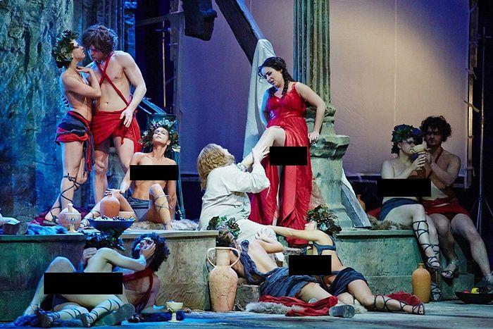 «Христос» у ног Венеры. Сцена из оперы «Тангейзер». Постановщик: Т.Кулябин