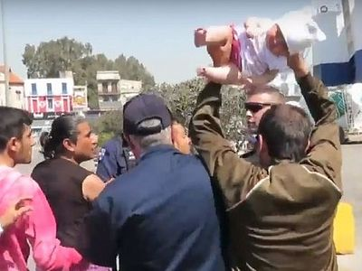 Греция: варварский поступок мигранта вызвал возмущение общественности