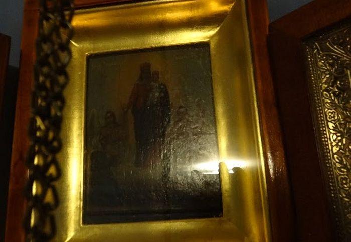Обновившаяся икона Пресвятой Богородицы