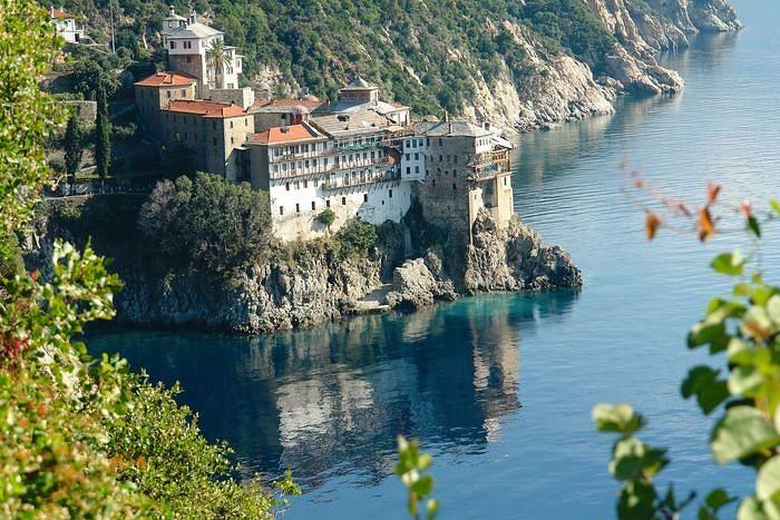 Григориат – один из двадцати афонских монастырей, основанный в XIV веке