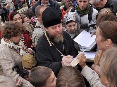 Епископ Егорьевский Тихон (Шевкунов) ответил на вопросы севастопольцев (Видео)