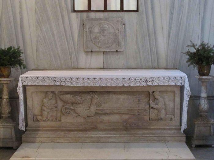 Саркофаг св. Просдокима в базилике Св. Иустины
