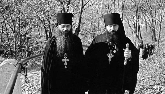 Наместник Архимандрит Гавриил (Стеблюченко) и архимандрит Александр (Васильев)