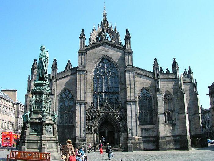 Вшотландской церкви священникам разрешили вступать воднополые браки