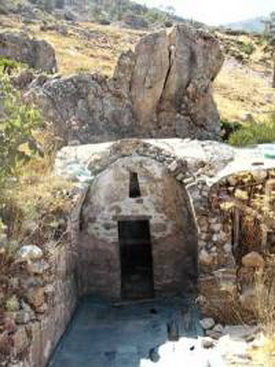 Пещера прп. Петра Афонского, ошибочно выдаваемая в XIX в. за пещеру прп. Антония Печерского