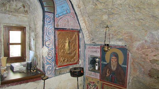 Самарийская пещера-грот Антония Эсфигменского, внутренний вид