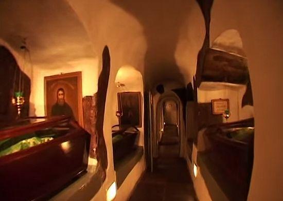 Пещеры Киево-Печерской Лавры