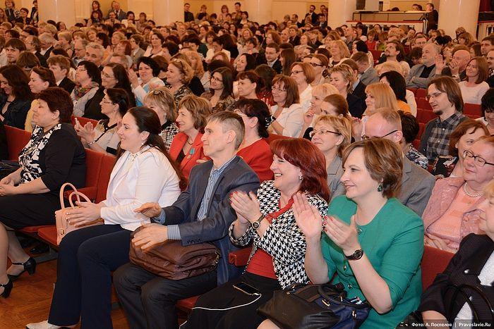 Реакция собравшихся на высупление А.Н. Привалова. Фото: А. Поспелов / Православие.Ru