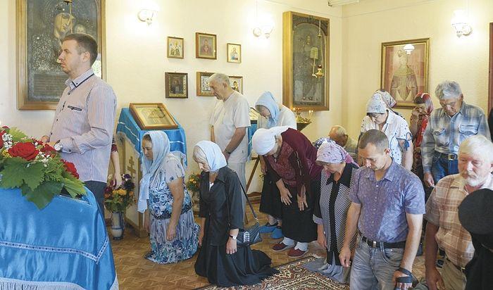 Литургия в домовом храме в честь Владимирской иконы Божией Матери. 8 сентября 2015 года