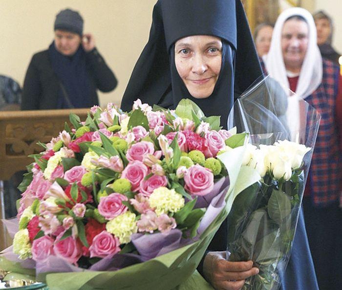 Настоятельница Владимирского женского монастыря монахиня Макария (Семенова) в день возведения в сан игумении. 1 ноября 2015 года