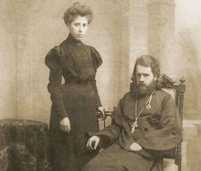 Священник Владимир Воробьев с супругой Ольгой Николаевной, 1907–1909 годы