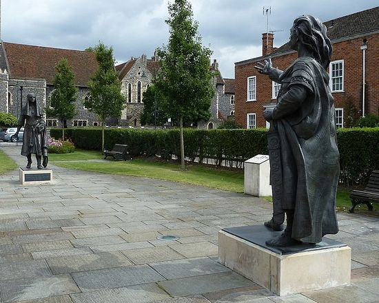 Bronze statues of Sts. Ethelbert and Bertha by former St. Augustine's Abbey in Canterbury (photo by Rob Farrow)