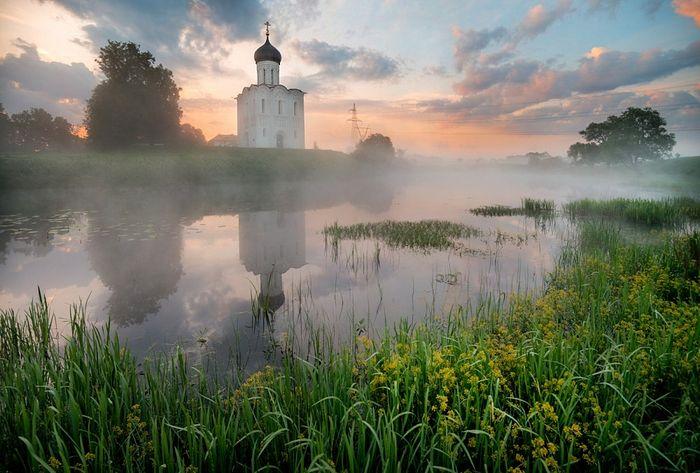 Храм Покрова на Нерли. Фото: Эдуард Гордеев | egord.photosight.ru
