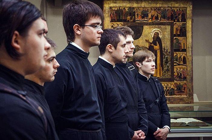 Студенты Казанской духовной семинарии