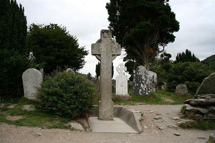 Крест св. Кевина в Глендалохе