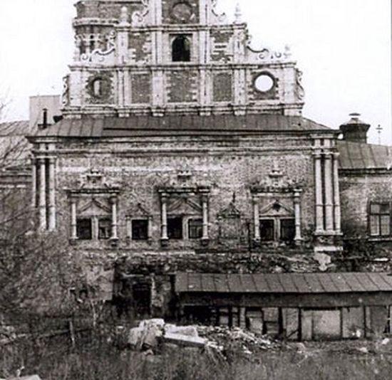 Тихвинский храм разрушенный
