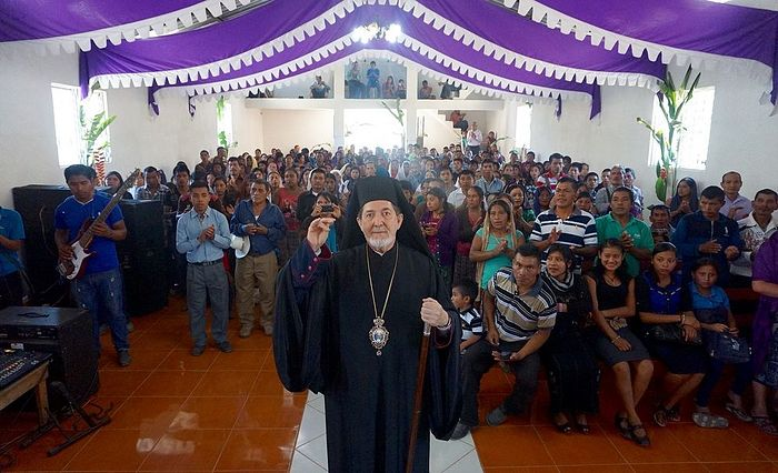 Archbishop Athenagoras visits newly remodeled church in Pebilpam