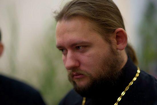 Свештеник Максим Горожанкин