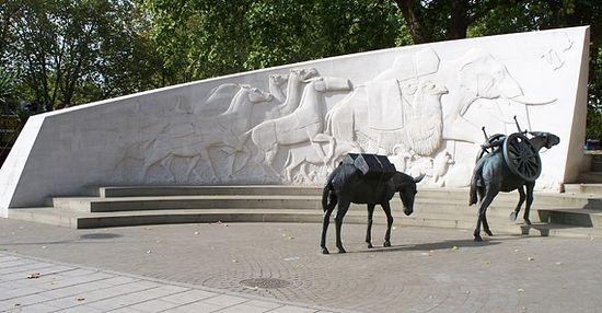 Памятник «Животные на войне», скульптор Д. Бэкхаус, 2004 год, Лондон. Фото с сайта wikimedia.org