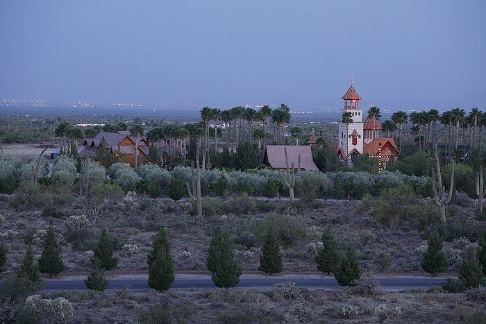 Монастырь святого Антония Великого в аризонской пустыне
