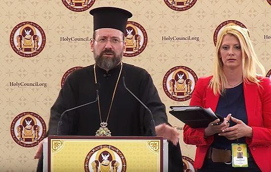 Архиепископ Телмисский Иов на одном из брифингов