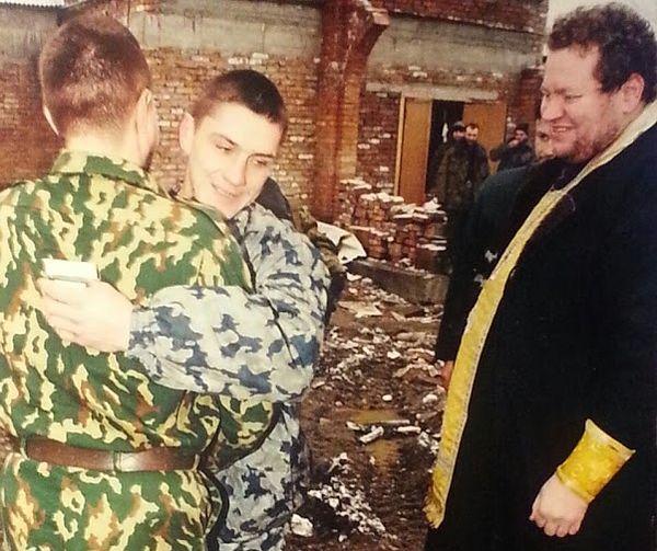 Крестный папа поздравляет крестника
