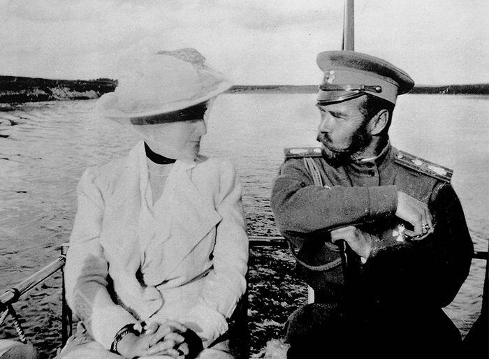 Николай II с Александрой Федоровной