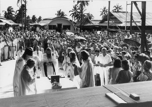 Divine services under the open skies on Tubabao, 1950.