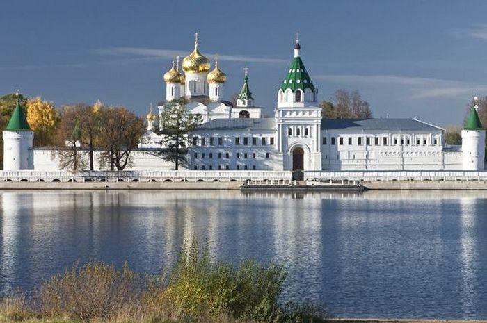 Holy Trinity-St. Ipatius Monastery, Kostroma.