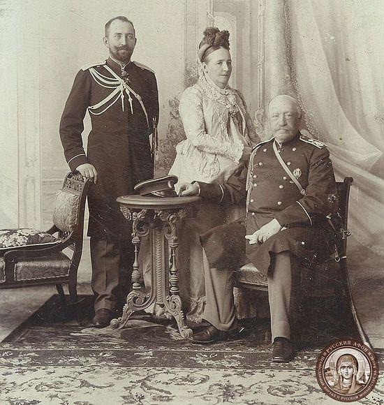 Граф Игнатьев с женой и сыном Леонидом, 1902 г.