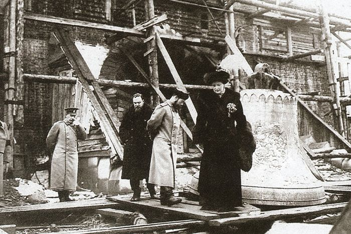 Император Николай II, Императрица Александра Феодоровна, архитектор В.А.Покровский на строительстве Феодоровского собора