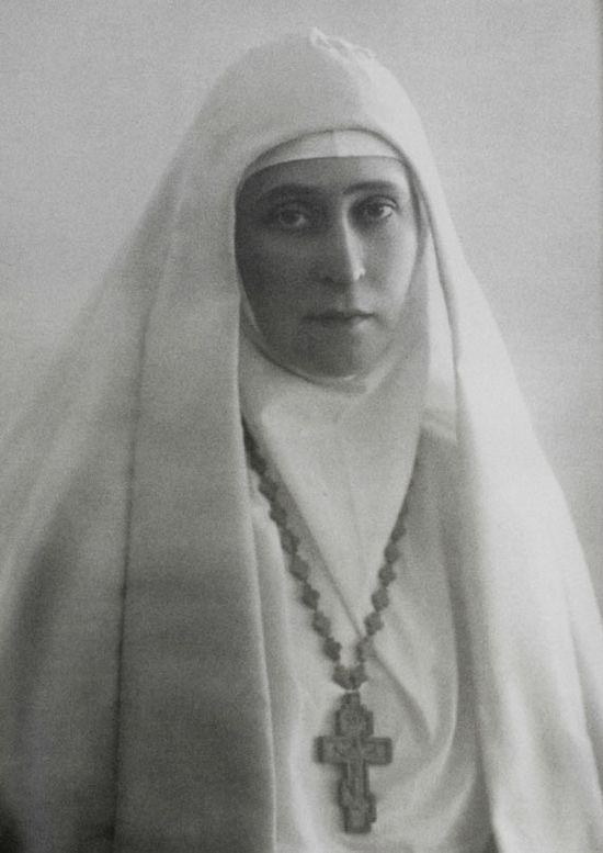 Елизавета Фёдоровна в облачении сестры милосердия. Фото из музея Марфо-Мариинской Обители милосердия.