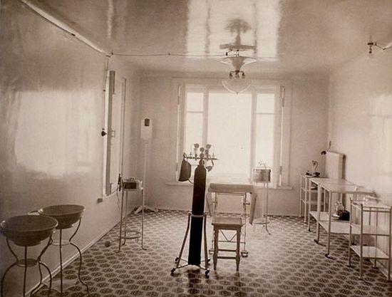Хирургический кабинет больницы при Обители. Фото из музея Марфо-Мариинской Обители милосердия.