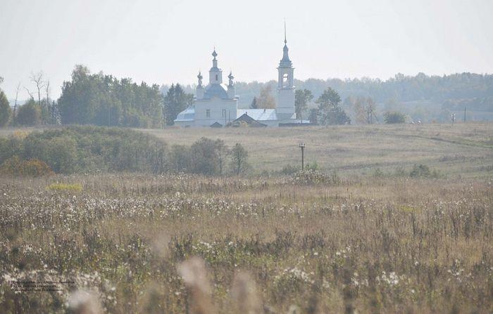 Церковь св. Николая в деревне Ламаниха. Фотография Ольги Толстиковой