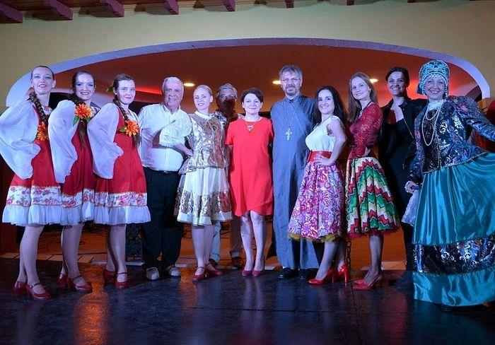 Концерт ансамблей Калинка и Малинка в Сантьяго