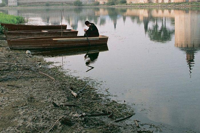 Монах в лодке