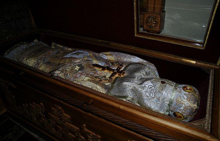 Мощи сщмч. Илариона, архиепископа Верейского.